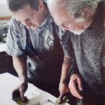 """2007. Luc Guérin, François Béalu. Épreuves des bons à tirer du livre """"Sur la marge"""" à l'atelier Lacourière et Frélaut. Photo Jacques Faujour."""